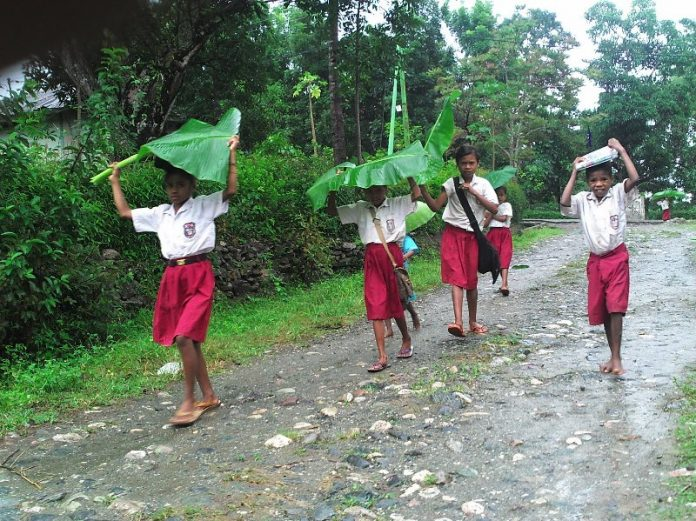 puisi indonesia anak sekolah