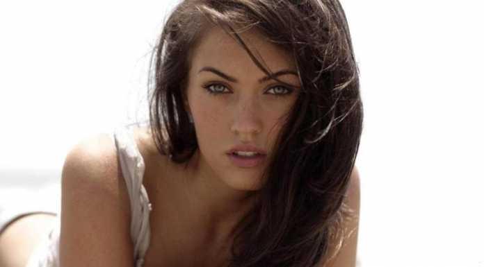 Tips Bercinta Hebat di Ranjang ala Megan Fox dan Julia Perez