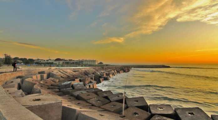 Pantai Panjang Bengkulu Tujuan Surfing Baru