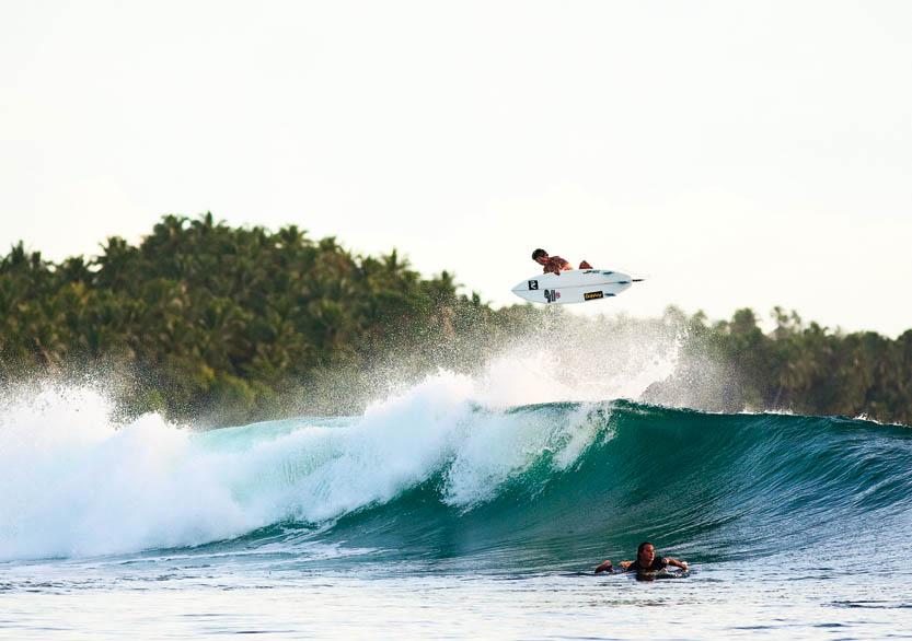 Tempat Surfing Indonesia 2