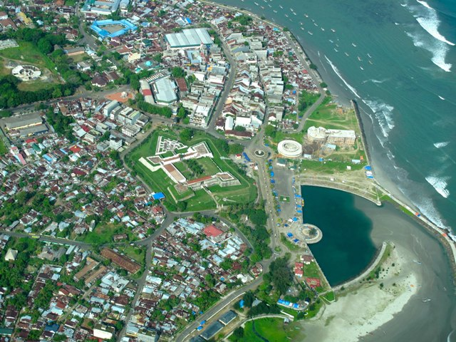benteng marlborough Bengkulu_City_and_Fort_Marlborough