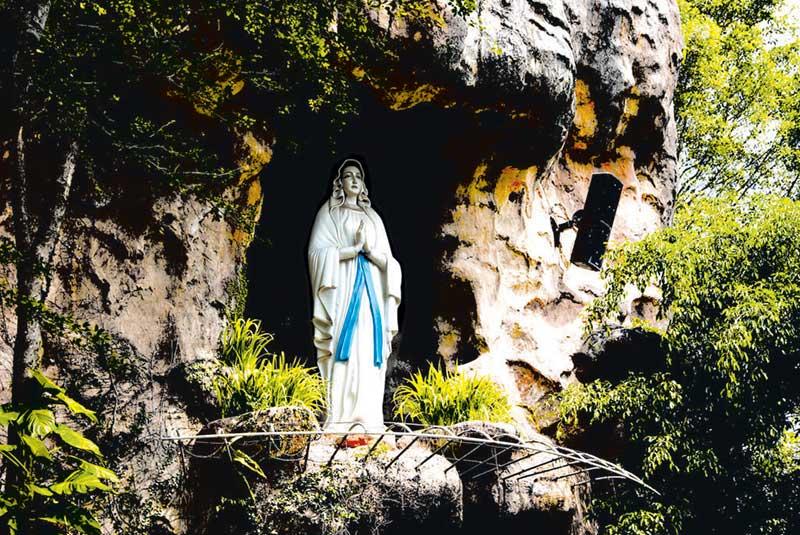 Gua Maria Kediri replika Gua Maria di Lourdes Perancis