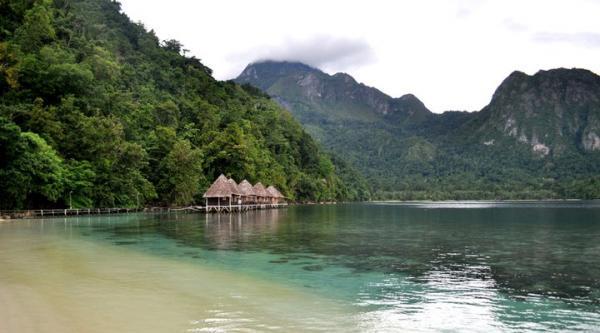 Wisata Pantai Ora di Kepulauan Maluku Tengah 3