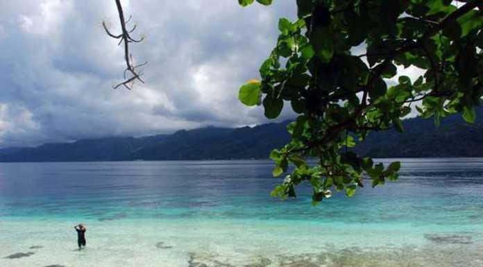 Wisata Pulau Tiga Ambon Maluku