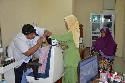 dr. Roni Spesalis THT. sudah aktif praktek di RSUD Batang - Jawa Tengah