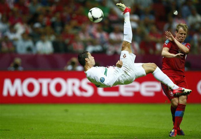 INTUISI dan FIRASAT C Ronaldo dan messi