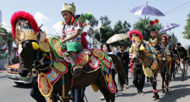 Tradisi Kebudayaan Sumedang : Seni Tradisional Kuda Renggong