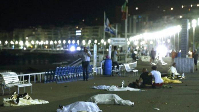 Teror di Perancis, Truk Hantam Kerumunan Perayaan Bastille Day Sedikitnya 73 Orang Tewas