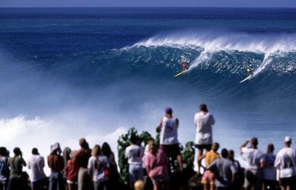 10 Tempat Surfing Terbaik di Dunia - 2 ada di Indonesia Hawaii-Oahu-North-Shore-Surfing-min