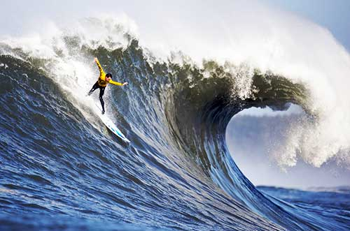 10 Tempat Surfing Terbaik di Dunia - California mavericks competition