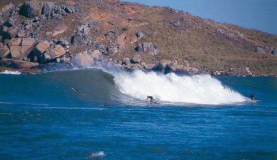 10 Tempat Surfing Terbaik di Dunia - Santa Catarina-min