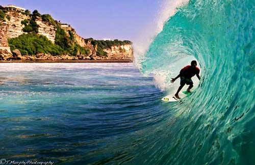 10 Tempat Surfing Terbaik di Dunia - Uluwatu Beach Bali