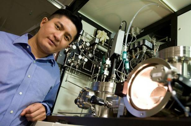 6 Kisah Sukses Orang Indonesia Jenius di Luar Negeri Prof Nelson Tansu, PhD