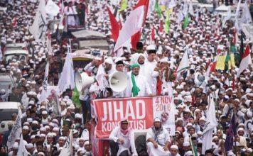 Membongkar kemunafikan demo 4 November