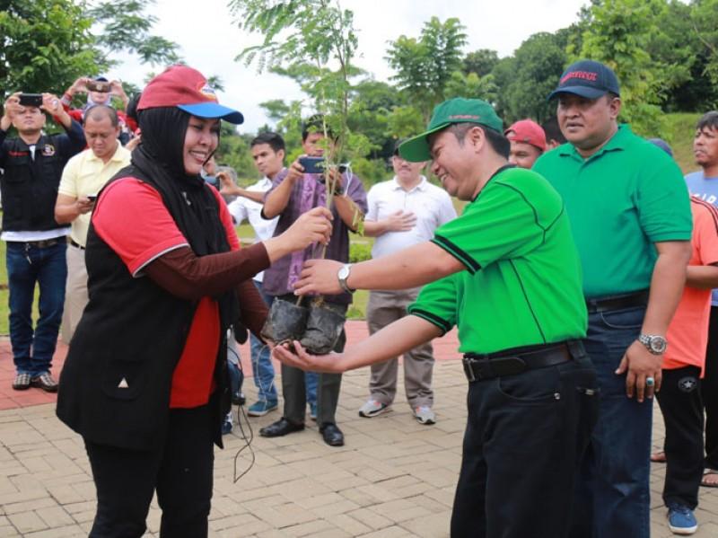 PERSAUNG Tanam Bibit Pohon Dan Tebar Benih Ikan di Jakarta Timur 6PERSAUNG Tanam Bibit Pohon Dan Tebar Benih Ikan di Jakarta Timur 6