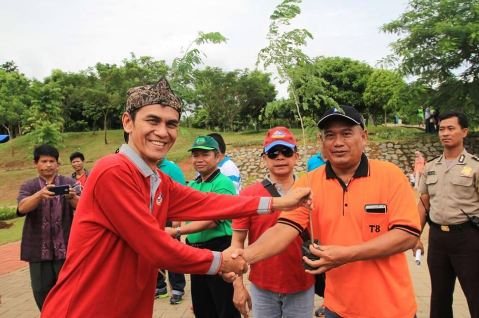 PERSAUNG Tanam Bibit Pohon Dan Tebar Benih Ikan di Jakarta Timur 9