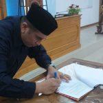 Ketua DPRD Ali Antor Harahap, Menandatangani Persetujuan RAPBD 2019 Menjadi Perda