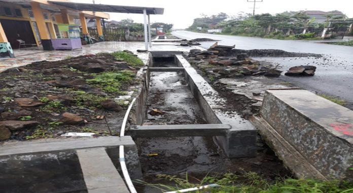 Pembangunan Drainase Batu Galing Curup