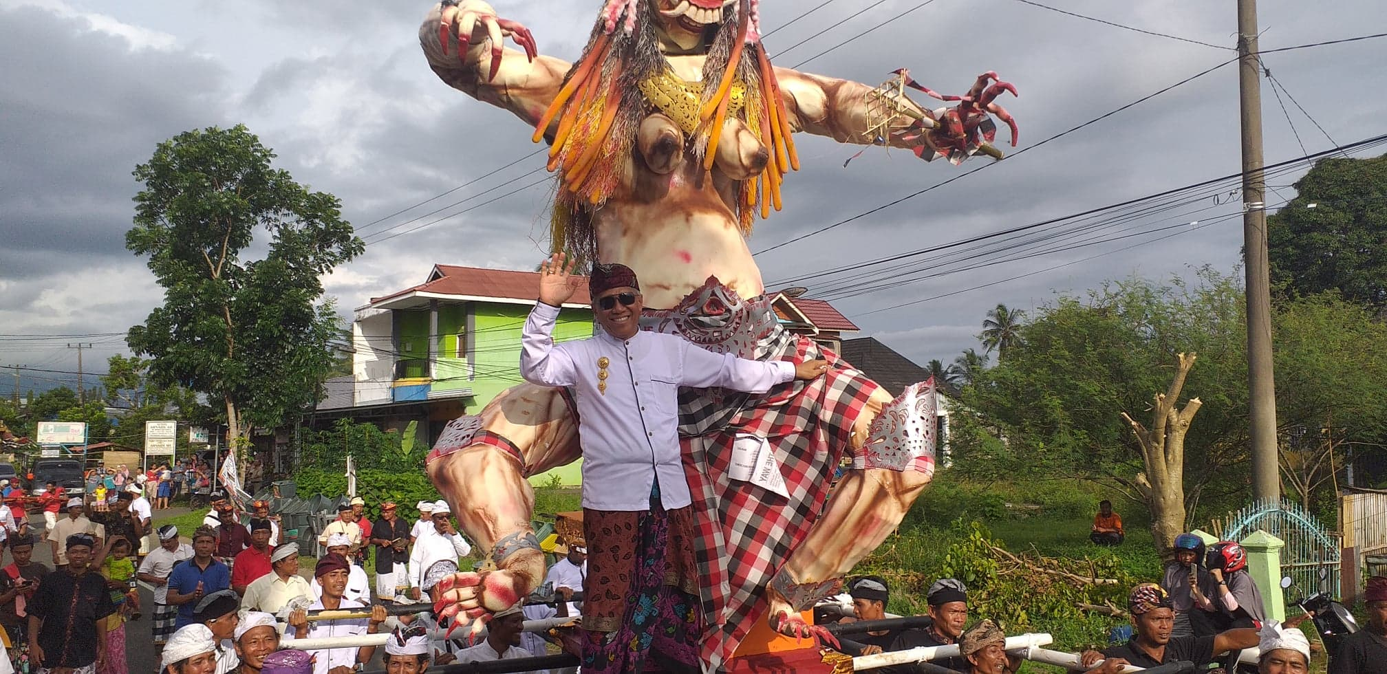 Imron Rosyadi Naik Ogoh-Ogoh