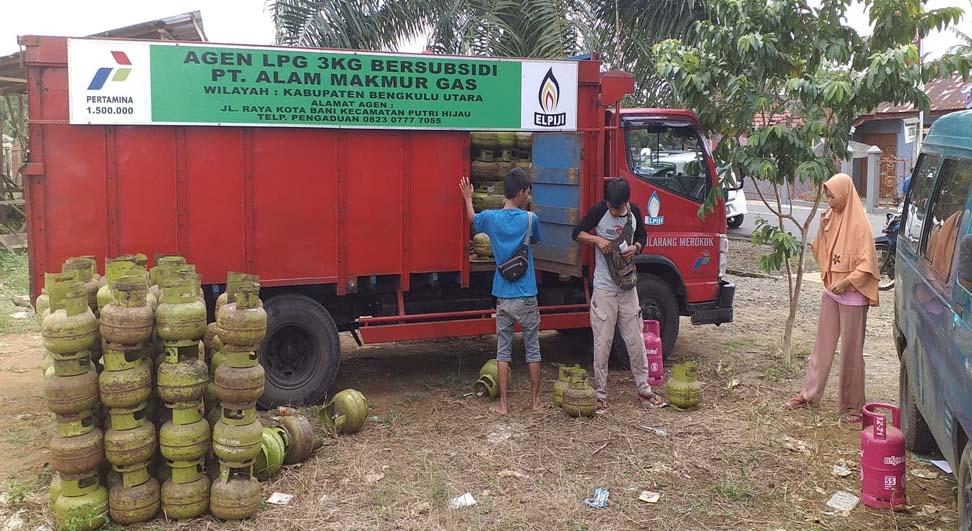 Disprindag Bengkulu Utara Operasi Pasar Murah Elpiji 3 Kg