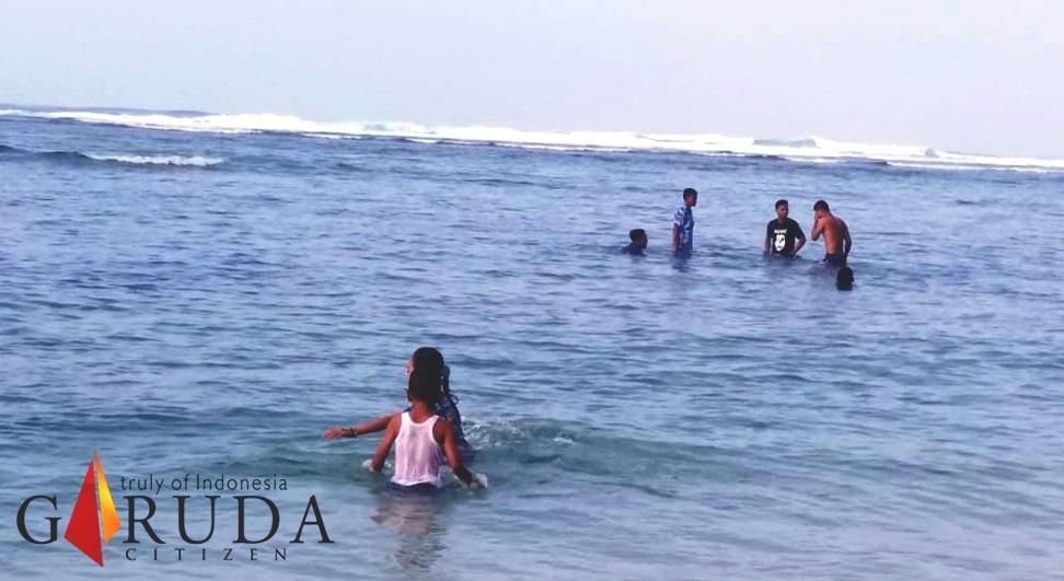 Ternyata Pantai Linau Tak Ubahnya Seperti Pantai Kuta Bali