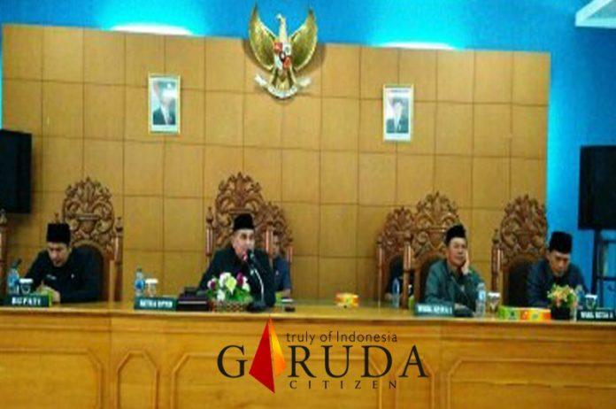 Fraksi DPRD Bengkulu Utara Sampaikan Pandangan Umum Terhadap Raperda Pertanggung Jawaban Pelaksanaan APBD 2018