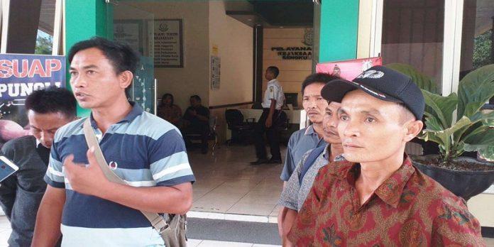 Warga Desa Taba Kelintang Laporkan Kades ke Kejari