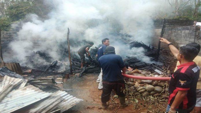 Jum'at Siang, Gudang Penyimpanan Barang Warga Gunung Selan Terbakar