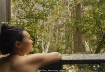 Beautiful Asian Woman Nude in Onsen (Hot Tub)