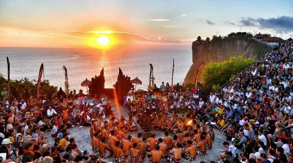 Tari Kecak Bali - Sejarah dan keunikannya