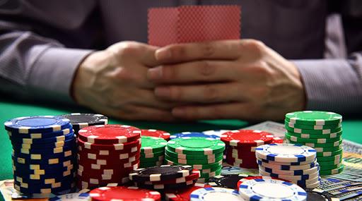 Buat Penasaran, Ini Cara Kerja Bandar Judi Poker Online