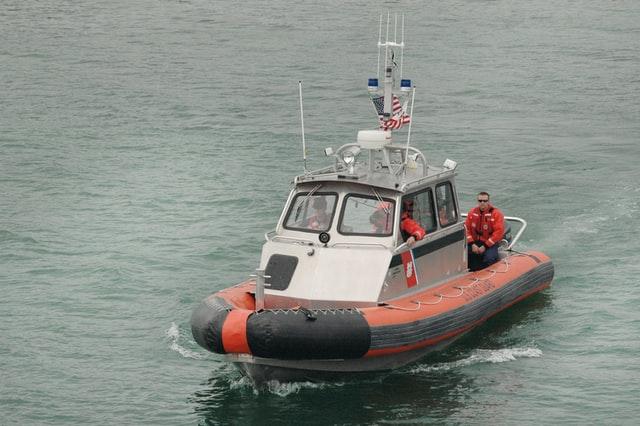 peralatan kapal keselamatan